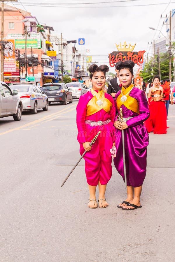 Phuket Thailand - Augusti 26, 2016: Oidentifierade härliga flickor, ledare royaltyfri fotografi