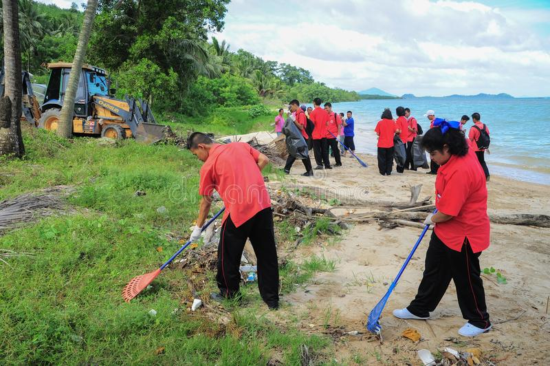 Phuket Thailand, 19 Juni: De vrijwilligers treden samen toe en Thaise nagel stock afbeeldingen