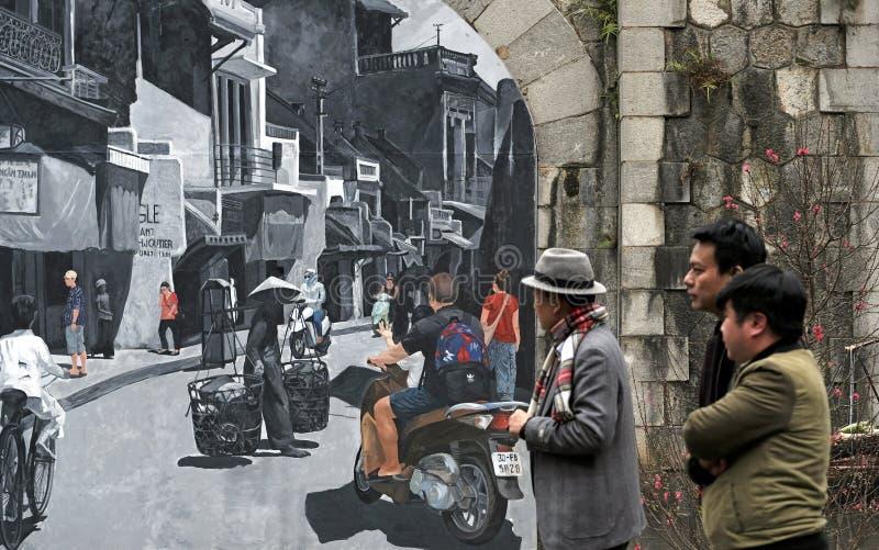 Phung ha appeso le caratteristiche murale vecchia Hanoi della via immagine stock libera da diritti