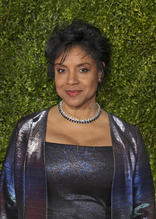 Phylicia Rashad Arrives en Tony Awards 2015 fotografía de archivo