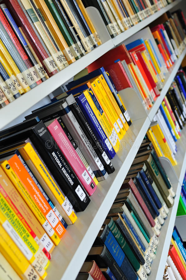 Download Physics books on shelves editorial image. Image of rack - 21748350