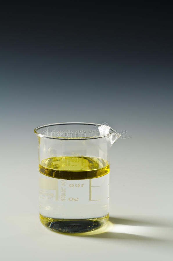 Free Physics. Immiscible Fluids, Oil And Water. Series. 4 0f 4. Royalty Free Stock Photo - 97173695
