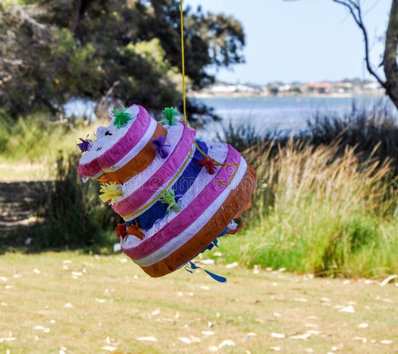 Piñata: Tempo di celebrazione immagini stock