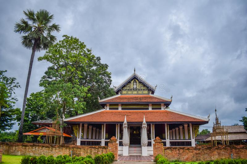 Piękna Tajlandzka świątynia przy Nan, Tajlandia na Czerwcu fotografia royalty free