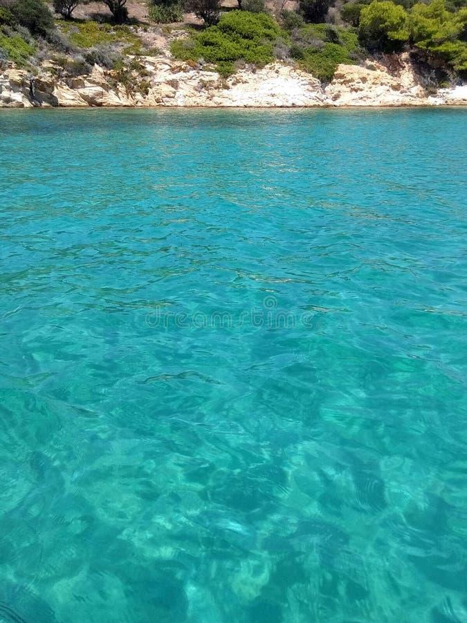 Piękna turkus woda przy Karydi plażą, Chalkidiki greece morze fotografia royalty free