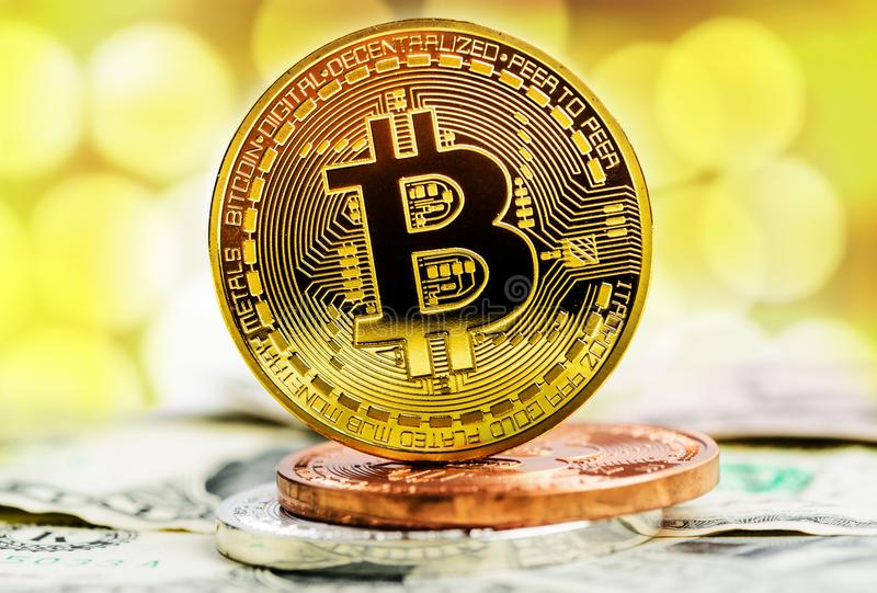 Pièce d'or de Bitcoin photos stock