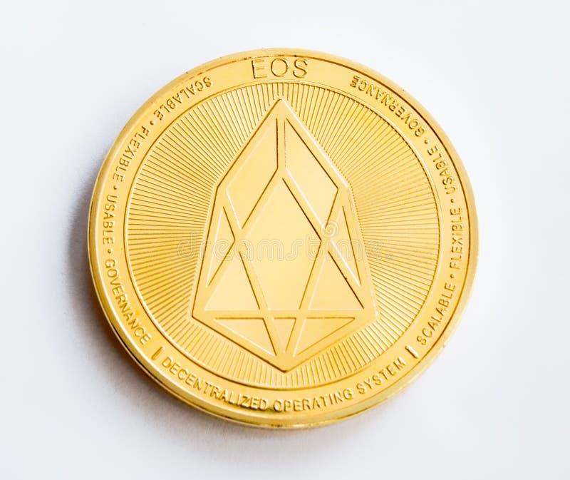Pièce d'or numérique de crypto devise - partie antérieure d'EOS images stock
