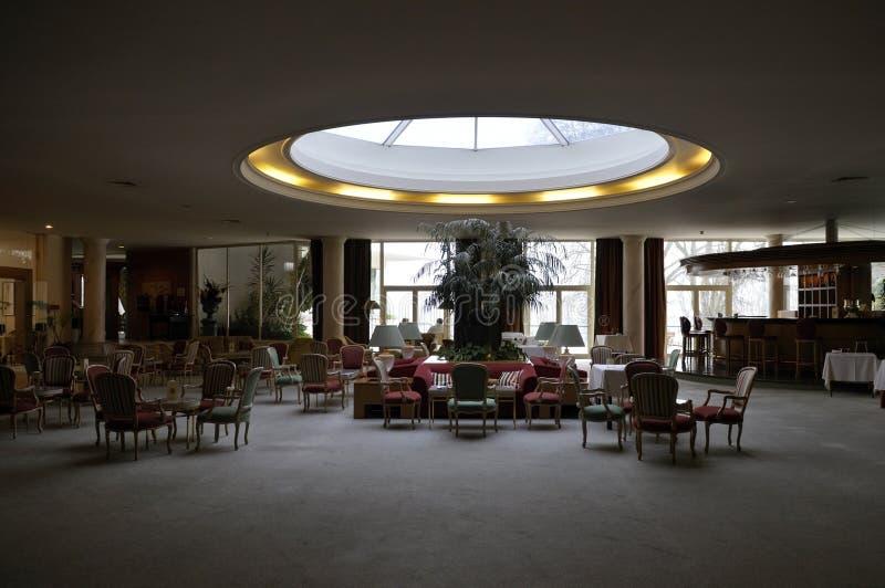 Pièce de lobby d'hôtel, lucarne ronde, décoration intérieure photo libre de droits