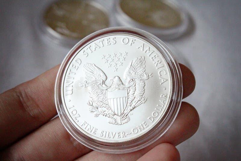 Pièce de monnaie argentée d'Eagle d'Américain image stock