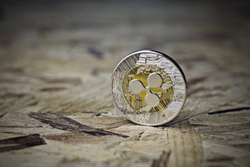 Pièce de monnaie argentée d'ondulation images libres de droits