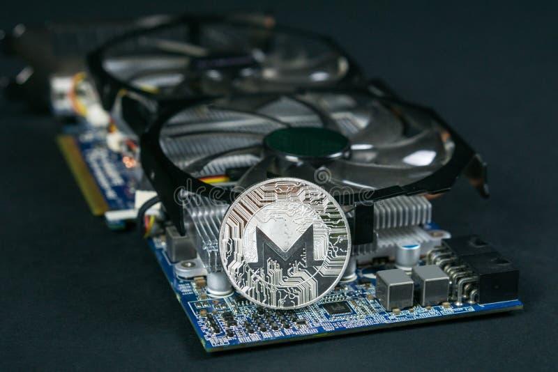 Pièce de monnaie de Monero sur GPU, exploitation de Cryptocurrency utilisant les cartes graphiques image libre de droits