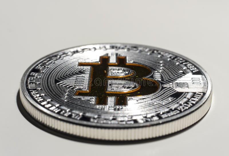 Pièce de monnaie simple de BTC Bitcoin photographie stock libre de droits