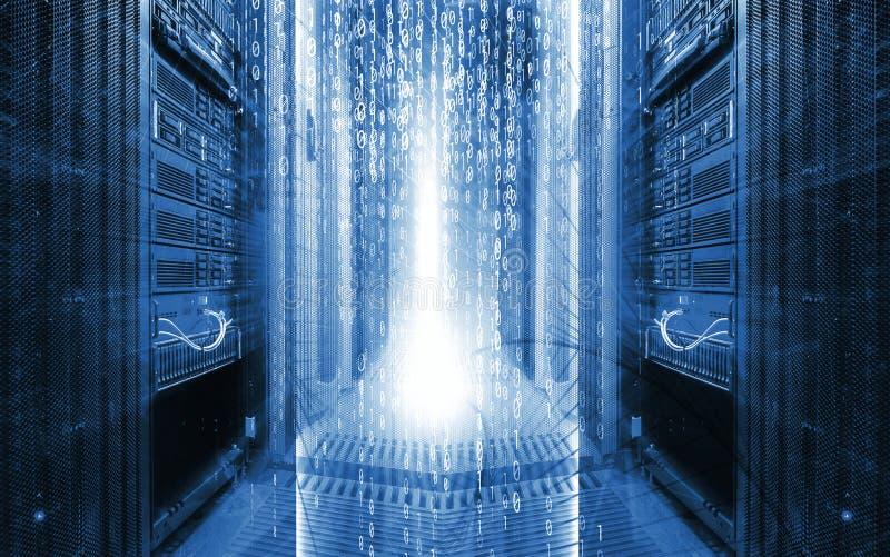 Pièce de serveur avec l'élément de programmation de conception de données , concept du grand stockage de données et technologie i photographie stock libre de droits