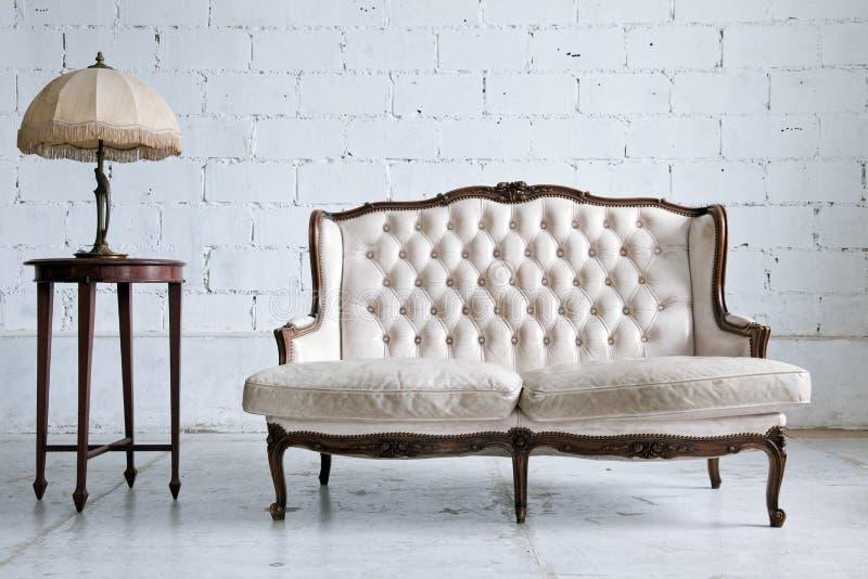 Pièce de sofa de cru photo stock