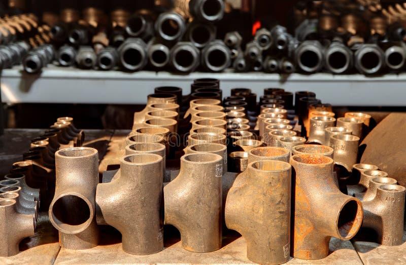 Pièce en t égale soudée bout à bout de garnitures de tuyau, montage de tuyau soudé bout à bout en acier, photographie stock