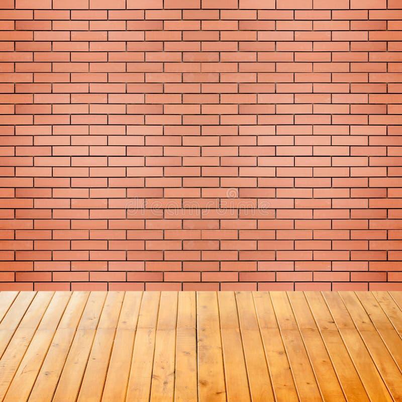 Pièce intérieure vide avec le fond de mur de briques photos libres de droits