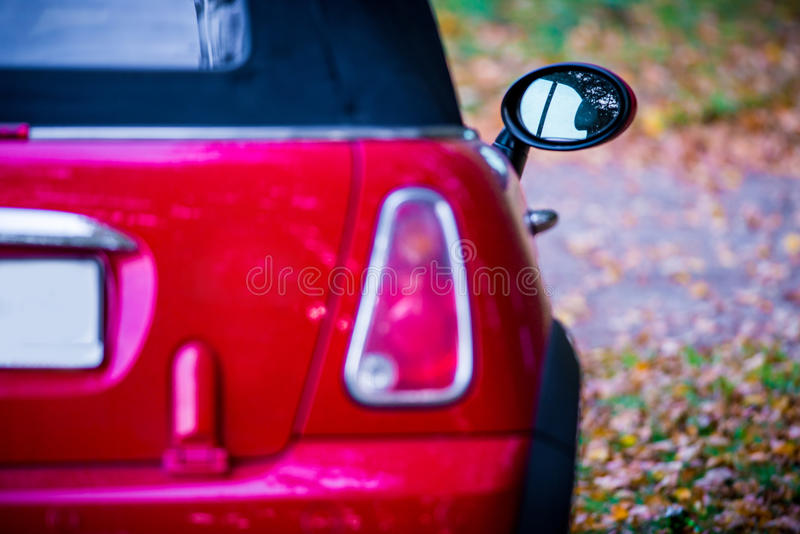 Pièce rouge de dos de voiture photographie stock libre de droits