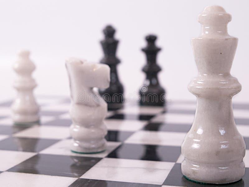 Pièces d'échecs blanches image stock