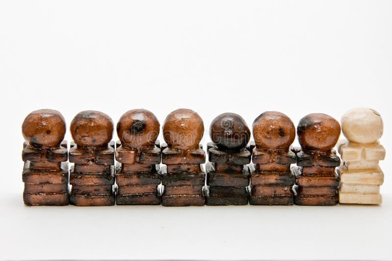Pièces d'échecs fabriquées à la main faites en craie photographie stock libre de droits