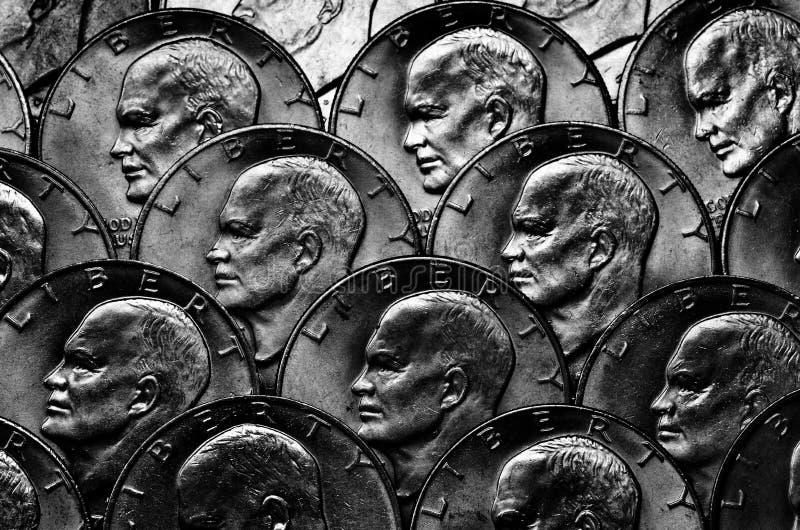 Pièces de monnaie de l'argent argenté images libres de droits