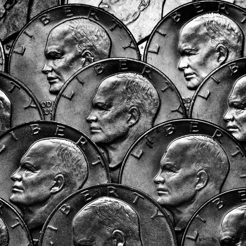 Pièces de monnaie de l'argent argenté images stock