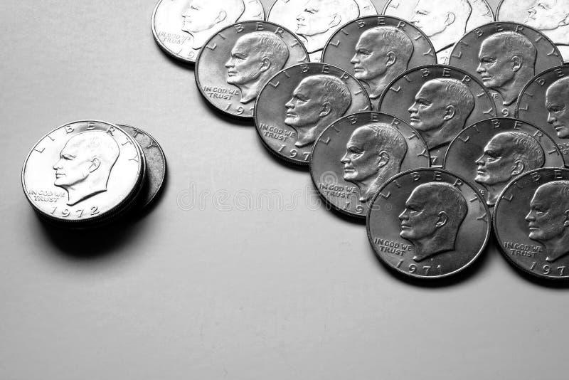 Pièces de monnaie de l'argent liquide américain argenté d'argent images stock