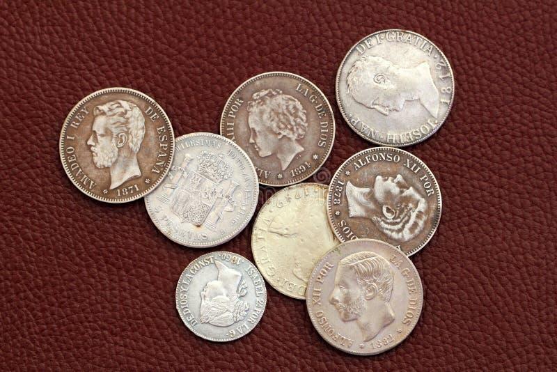 Pièces de monnaie de l'Espagne de dix-huitième et 19ème siècle vieilles image libre de droits