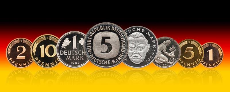 Pièces de monnaie ensemble, penny, gradient de marque allemande de l'Allemagne de fond photographie stock libre de droits