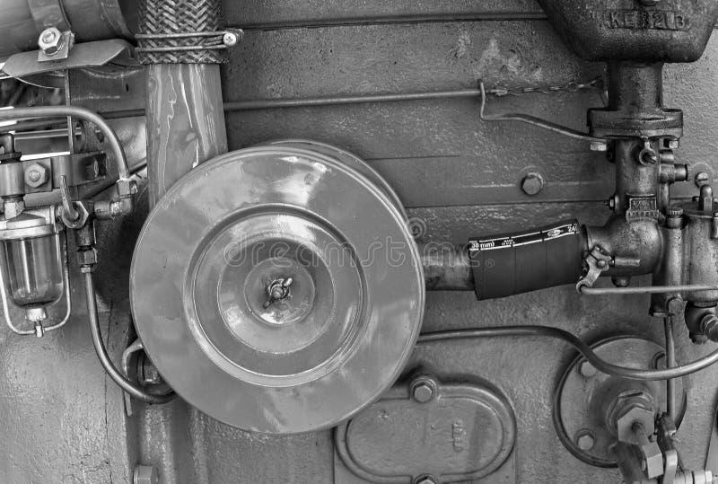 Pièces de moteur tracteur un jour d'été image libre de droits