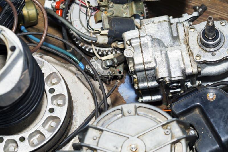 Pièces de tête, électriques et de carburant de puissance photographie stock libre de droits