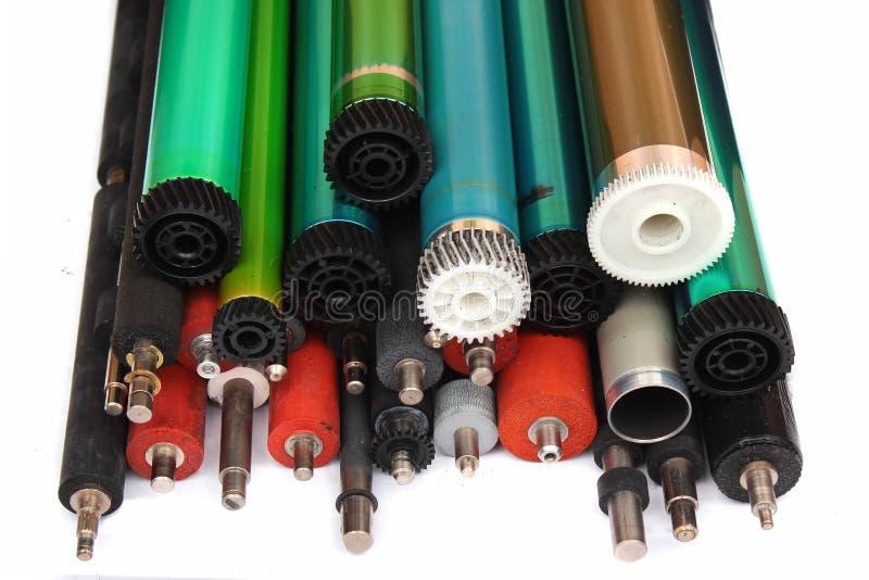 Pièces de vieilles imprimantes à laser Tambours, caoutchouc et axes et rouleaux photosensibles en métal photographie stock