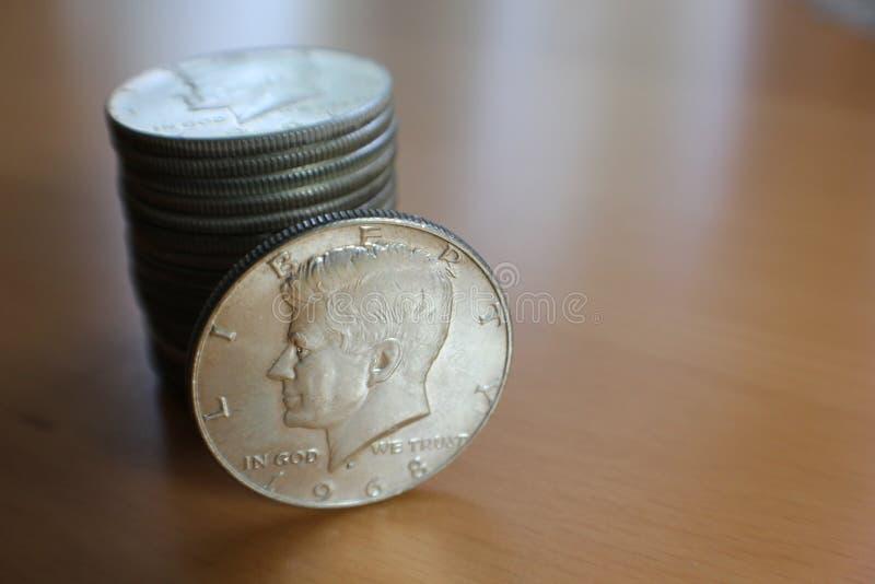 Pièces en argent de demi-dollar de JFK images stock