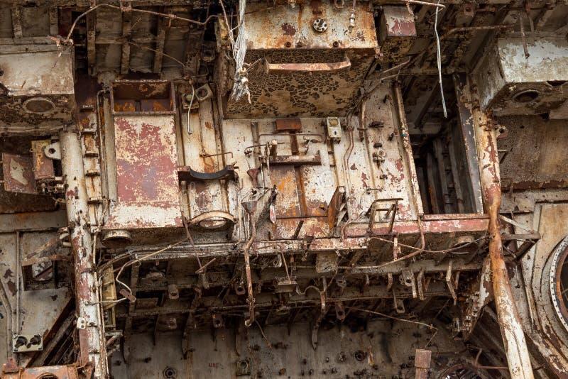 Pièces internes de bateau marin désarmé photos stock