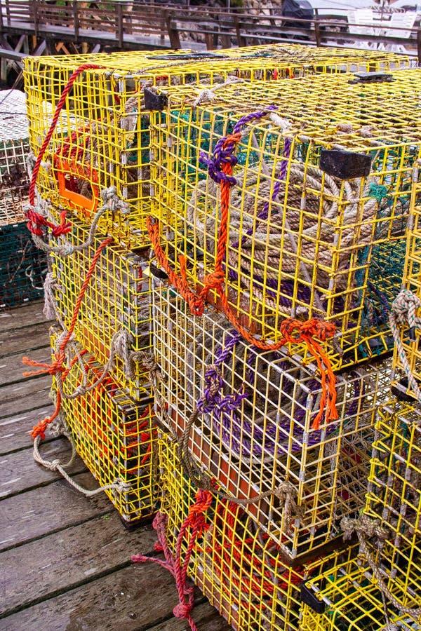 Pièges de homard sur le dock dans Maine photographie stock libre de droits