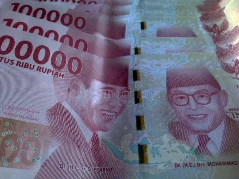 più alta rupia indonesiana nominale 100k immagini stock libere da diritti