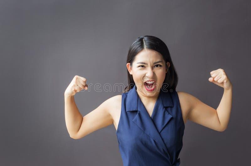 Più forte sano della donna asiatica di affari del ritratto fotografia stock