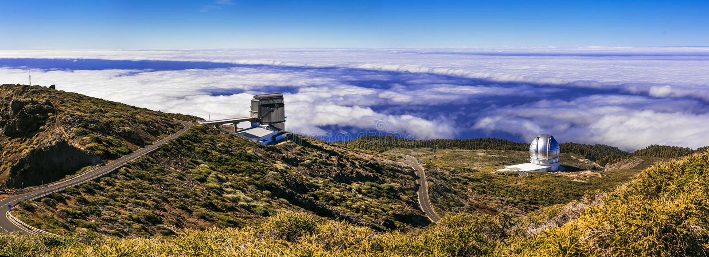 Più grande osservatorio in Europa Roque de los Muchachos - palma della La, isole Canarie Attrazione turistica popolare immagini stock libere da diritti