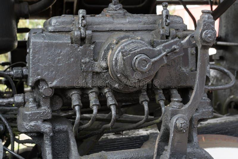 Più grandi dettagli sulla vecchia locomotiva a vapore Parti pesanti del ferro Locomotiva in parti Primo piano immagini stock libere da diritti