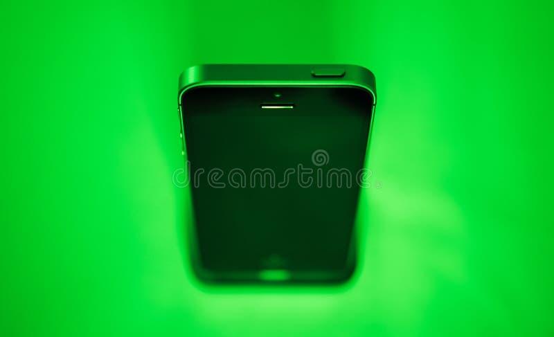 Più nuovo Se di iPhone dei calcolatori Apple fotografie stock libere da diritti