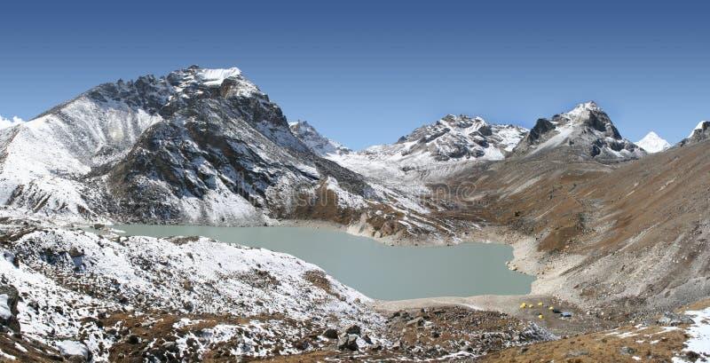 piąta gokyo jezioro ngozumba tsho zdjęcie stock
