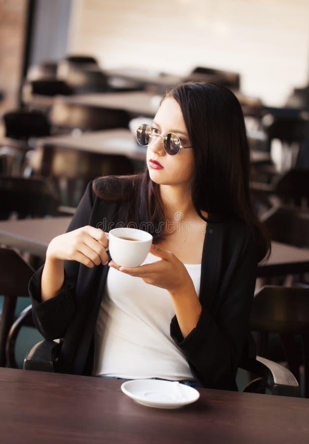 pić frappe kobiety obrazy stock
