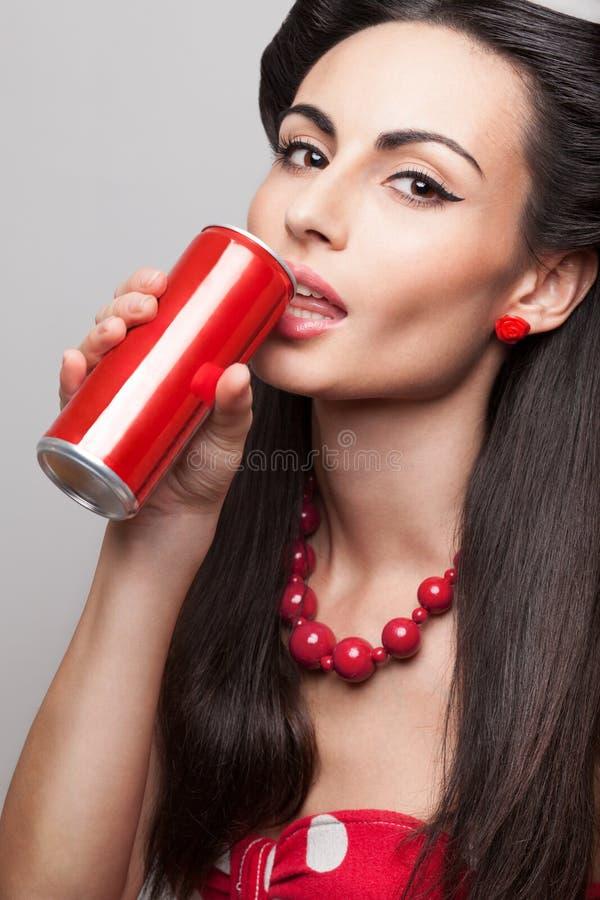 Pić soda modela zdjęcie stock