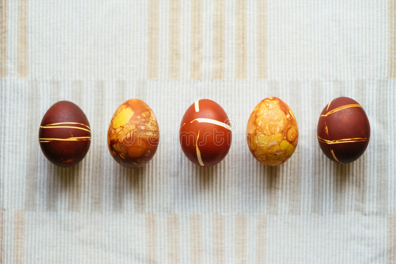 Pięć dekorowali Wielkanocnych jajka obraz stock