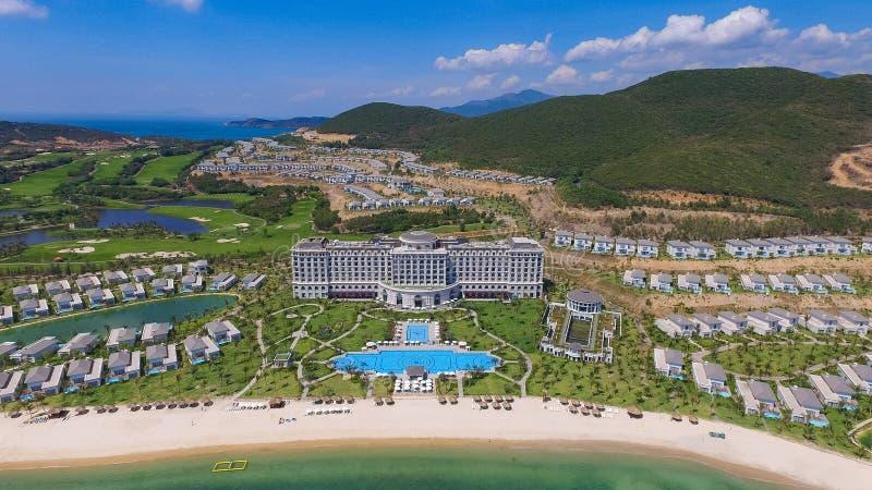 Pięć Vinpearl kurortu gwiazdowy widok przy Nha Trang trutniem zdjęcia royalty free