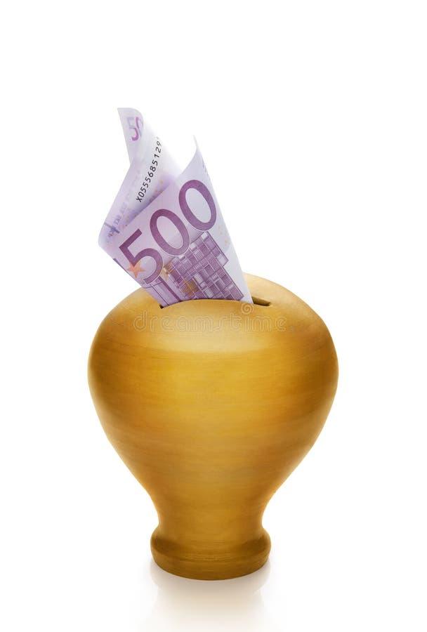 Pięćset euro i złotego pieniądze pudełko zdjęcia royalty free