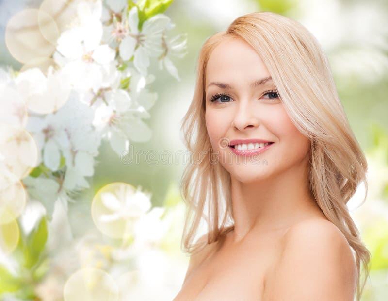 piękną twarz tła występować samodzielnie w białych kobiet young obraz royalty free