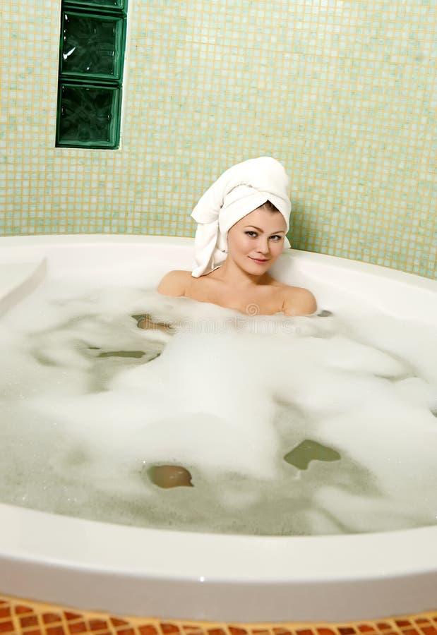 piękna łazienki kobieta zdjęcie stock