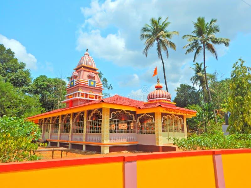 Piękna świątynia w Indiańskiej wiosce Deorukh obrazy royalty free