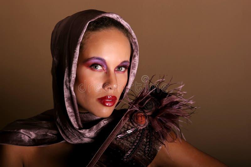 piękna Amerykanin afrykańskiego pochodzenia kobieta obrazy stock