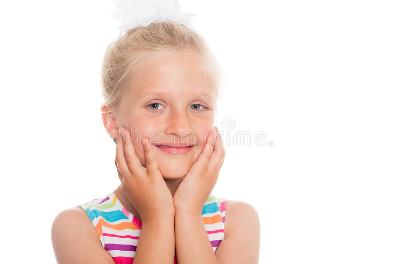 Piękna blond uśmiechnięta dziewczyna sześć rok zdjęcie royalty free